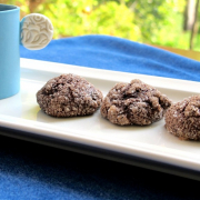 Sert görünümlü, yumuşak kalpli kurabiyeler