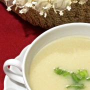 Kereviz çorbası, hem de elmalı ?!    sadece 57 kal