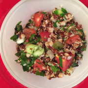 Karabuğdaylı, kinoalı doyurucu salata
