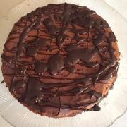 Çikolatalı cheesecake                                             12 dilim, 446 kalori